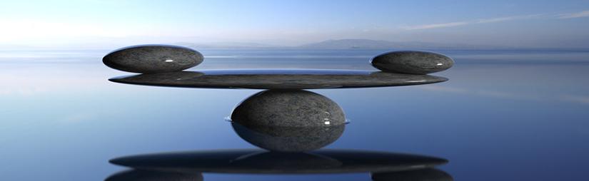 Zen Steine im Wasser